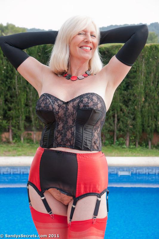 Mature amateur women in tan stockings