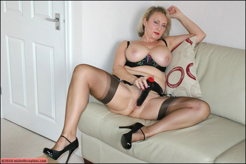 Amateur Milf First Big Dick
