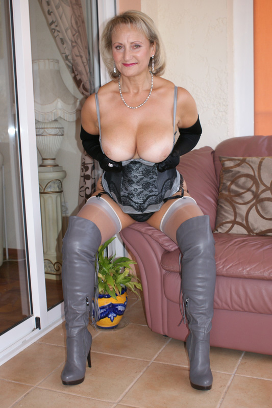 Mature boots pantyhose sex