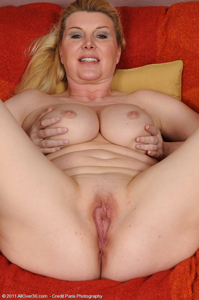 image Mature mom with xxl tits gets fucked