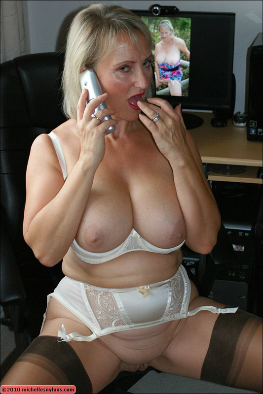 nude adolecent girl pic