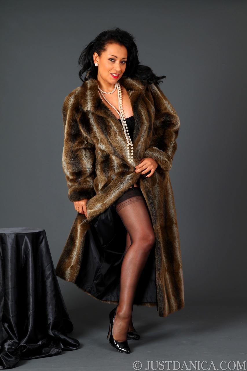 Moms xxx in fur coat consider, that