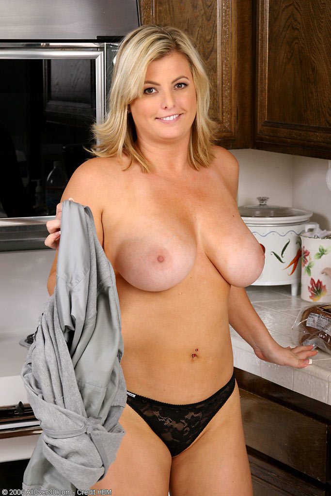 milf big boobs striptease