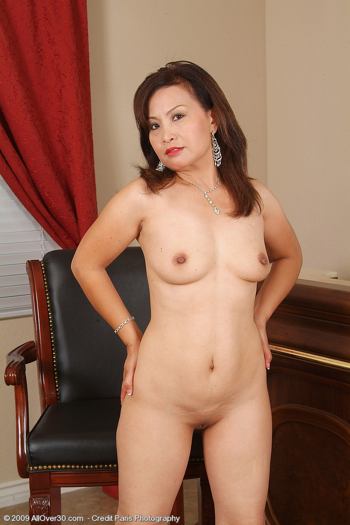 sexy naked indonesian milf