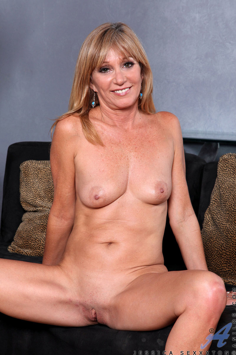 Something Nude mature girls porn