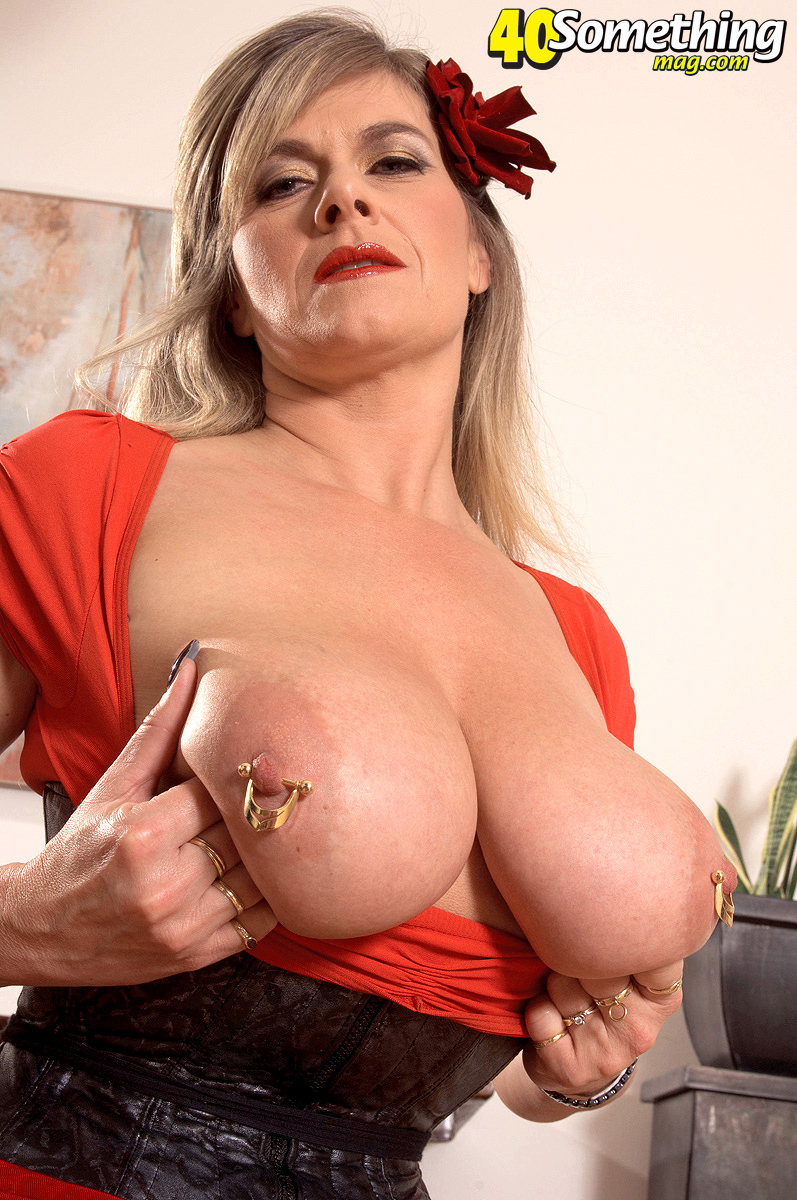 Big mommy milk tits
