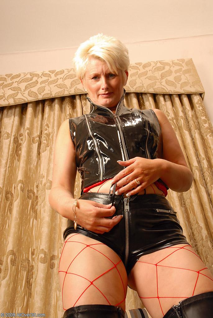 horny lady latex milf