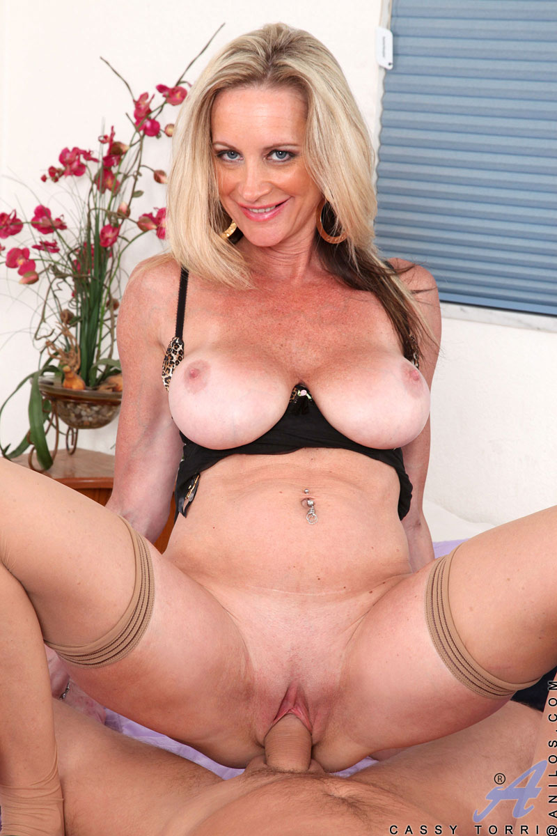 Mature blonde milf porn star consider, that