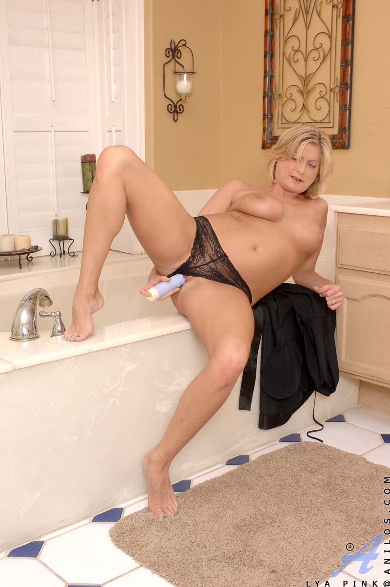 Older housewife lesbian mammas toy each other 8
