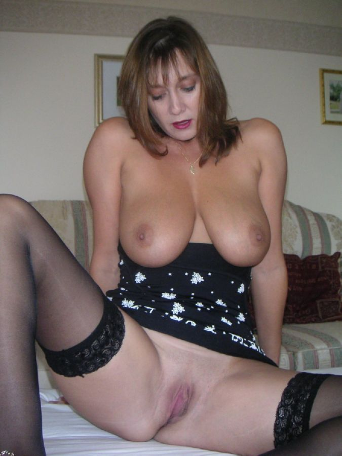 Amateur brunette milf british xxx hot 1