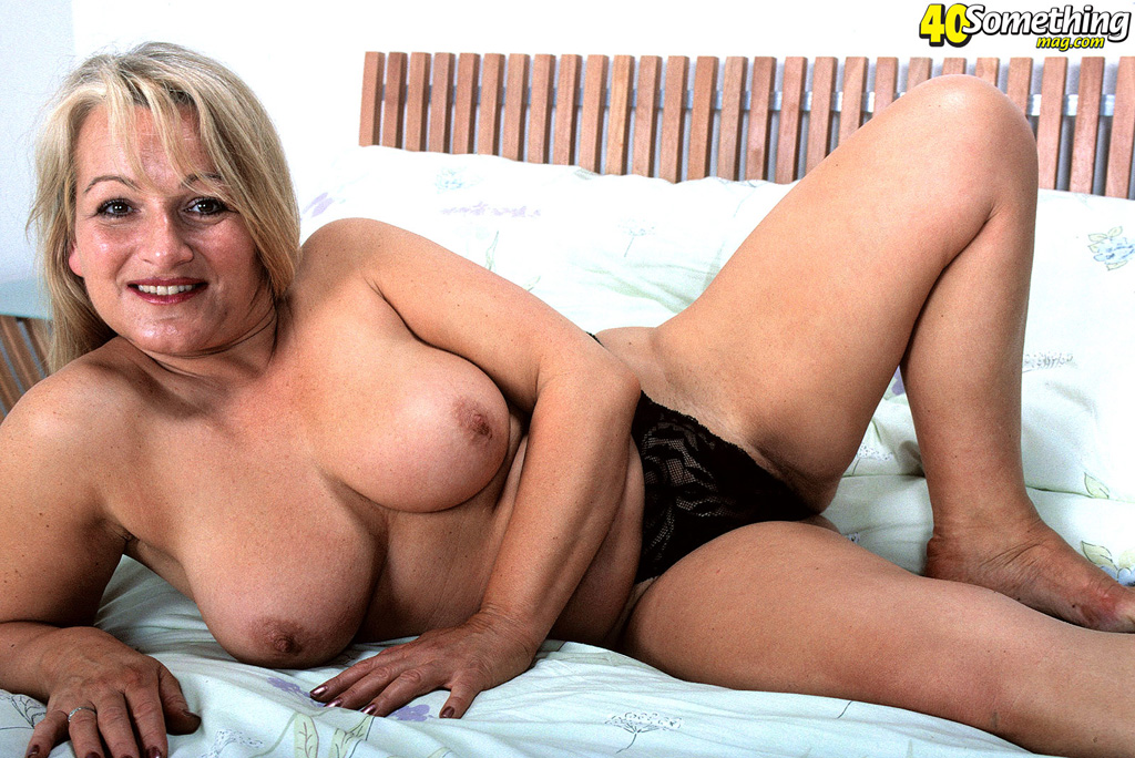 40plus nude picture galleries