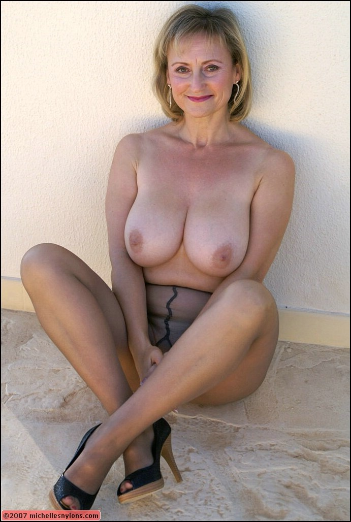 Nude milf with stockings congratulate