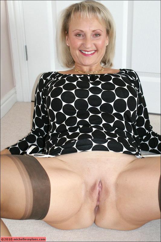 Mature pussy shaved wide open  Older Blonde Stevie Lix Spreading Shaved Mature Pussy Wide ...