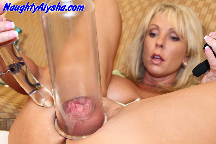 It's unbelievable how does this blonde hoe Alysha manage to fit such a ...