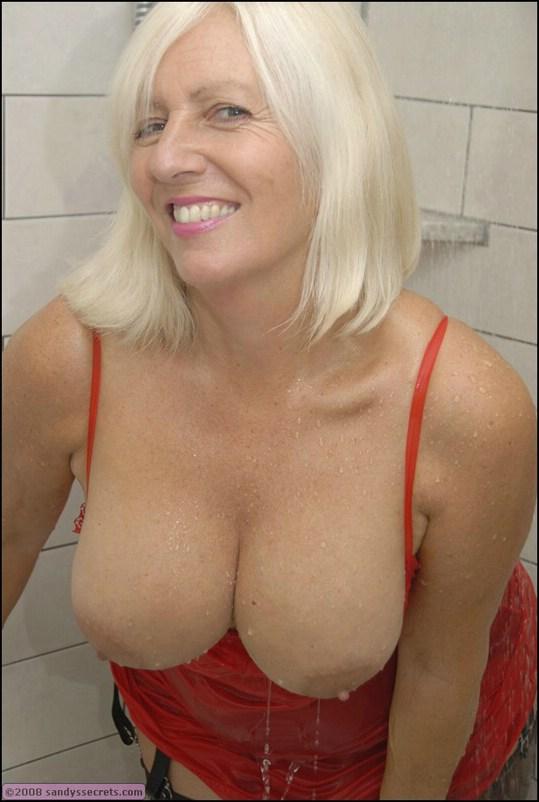 Gorgeous blonde milf in lingerie