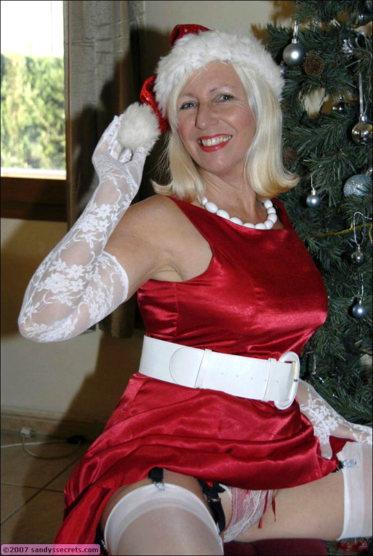 Mature christmas pussy