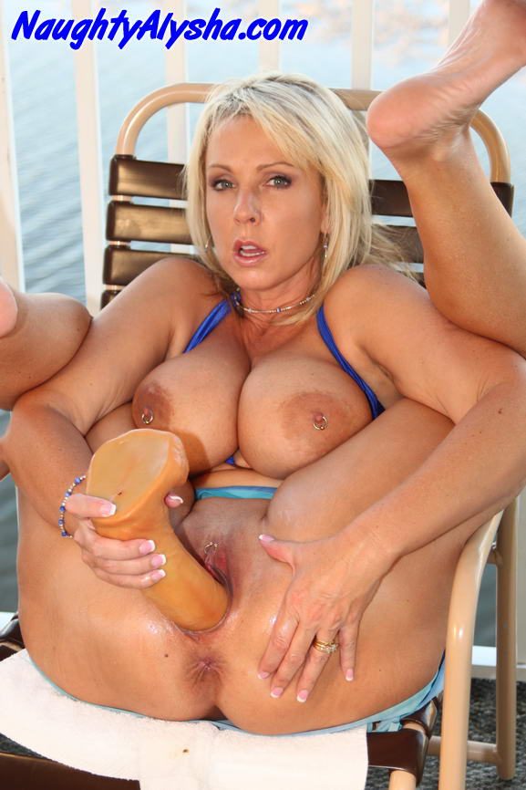 Big Tits Blonde Milf Swingers