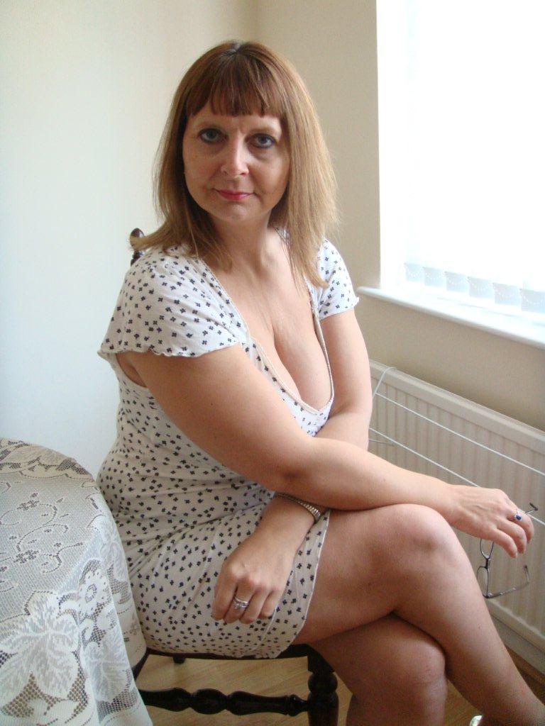 European Mature Big Breasts 38